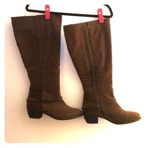"""1/2"""" Brown Boot"""